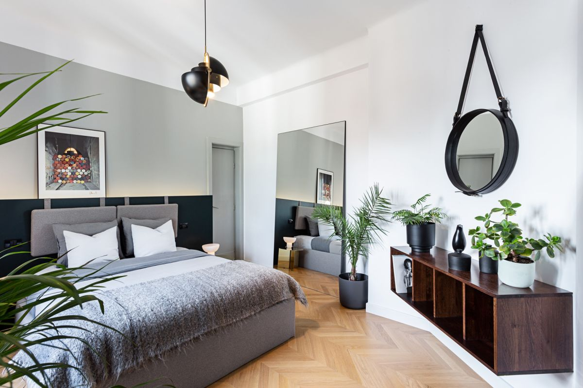 Originally, the apartment was divided into two main volumes, the master bedroom being one of the primary spaces