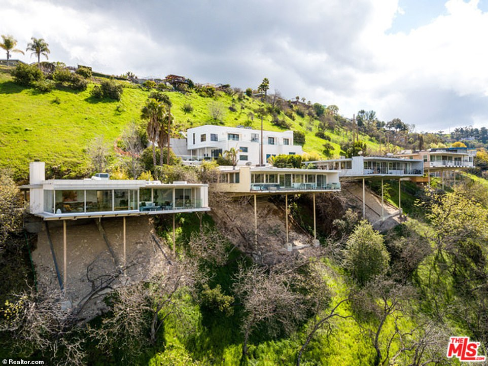 The stunning property is part of a 17-house enclave built by none other than rock star architect Richard Neutra in 1966